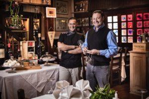 Marco e Pierluigi Antonaglia, ritratti nella sala del ristorante La Pitraia, a Sant'Antonio di Gallura